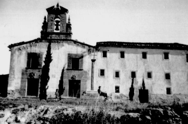 Vista de l'església i el convent dels Franciscans l'any 1952 (Arxiu de Juan Antonio Boluda)