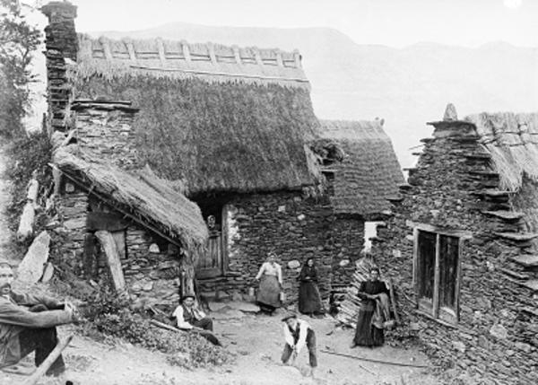 Imatge antiga de Bordius, ca. 1907 (Canejan Val d'Aran). Autor: Juli Soler i Santaló. Arxiu Fotogràfic Centre Excursionista de Catalunya.