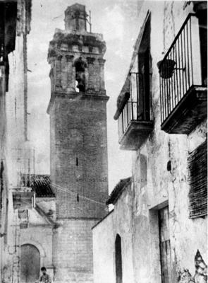 Vell campanar i església de Sant Joan Baptista de Benissanet, (Ribera d'Ebre) 1900. Autor: Desconegut. Arxiu Ass. Cult. Artur Bladé i Desumvila, cedida per Mercè Papaceit