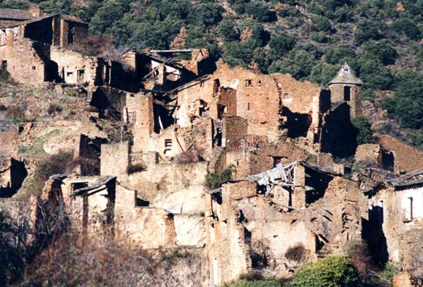 Imatge de les runes de Solanell i el seu entorn, Montferrer i Castellbó (Alt Urgell). Autor: Jordi Contijoch Boada. Generalitat de Catalunya, Departament de Cultura (invarquit.cultura.gentcat.cat)