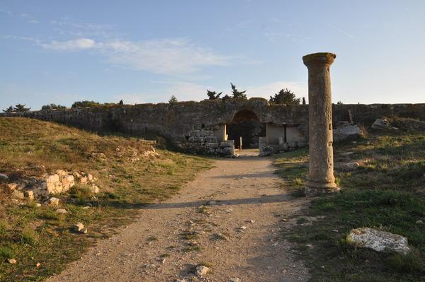 Porta romana a la ciutat d'Empúries, 2016. Autor: Josep Santesmases i Ollé