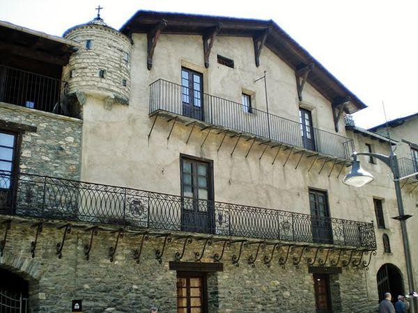 Imatge de la casa museu d'Areny –Plandolit, Ordino (Andorra) 2007. Autor: Jaume Meneses, https://commons.wikimedia.org/wiki/File:Casa_d%27Areny-Plandolit_(Ordino)_-_1.jpg