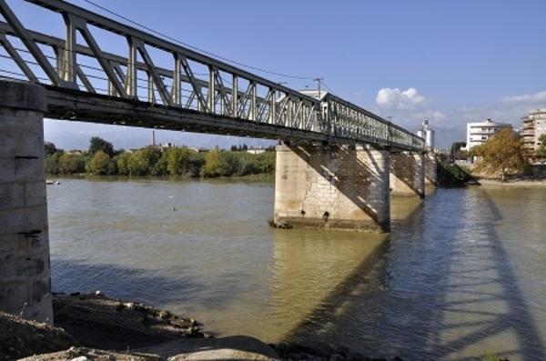 Imatge del Pont del Ferrocarril sobre l'Ebre, Tortosa (Baix Ebre) 2010. Autor: Jordi Contijoch Boada. Generalitat de Catalunya, Departament de Cultura.