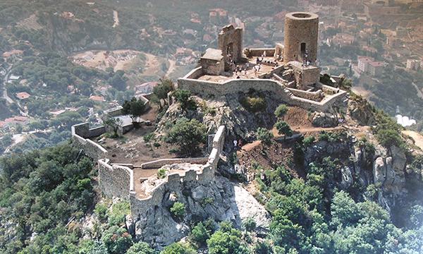 (provisional) Castell de Burriac. Aèria http://www.cabrerademarpatrimoni.cat/mb_01.html