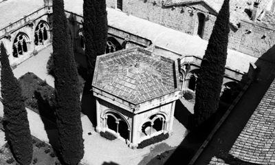 Claustre i templet del lavabo. 1977. Arxiu Santesmases-Rabadà